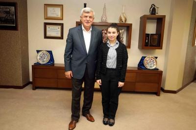 """Başkan Karaosmanoğlu, """"Elif kızımız Kocaeli'nin gururu olacak"""""""
