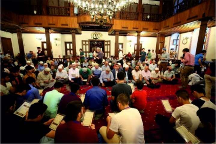 Başkan Karaosmanoğlu, ''15 Temmuz'u unutmayacağız, unutturmayacağız''