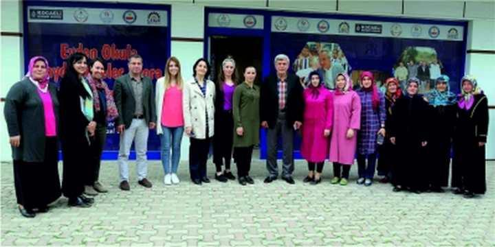 Başkan Karaosmanoğlu, ''Kadınlarımız mutlu ve yaşam sevinciyle dolu''
