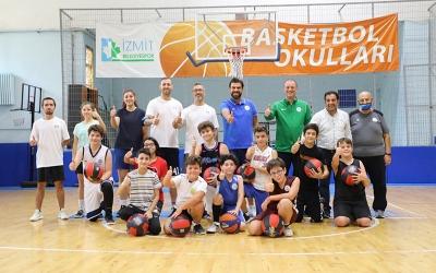 Basketbol okulları yoğun ilgiyle devam ediyor