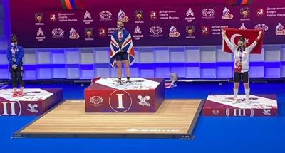 Berfin, Moskova'dan bronz ile döndü