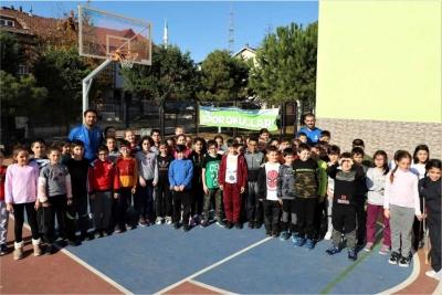 binlerce çocuk sporla geleceğe hazırlanıyor