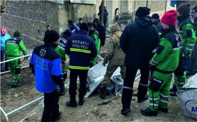 Büyükşehir'in deneyimli deprem ekibi Elazığ'da