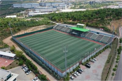 Çiftçi, stadyumları vatandaşların kullanımına açtı.