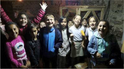 Çocuklar ekmek yaptı, Mehmetçiğe selam yolladı