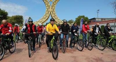 Darıca'da manzara eşliğinde bisiklet turu