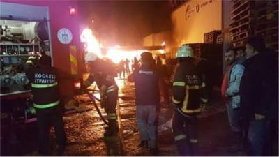 Gebze'de çıkan yangın paniğe sebep oldu