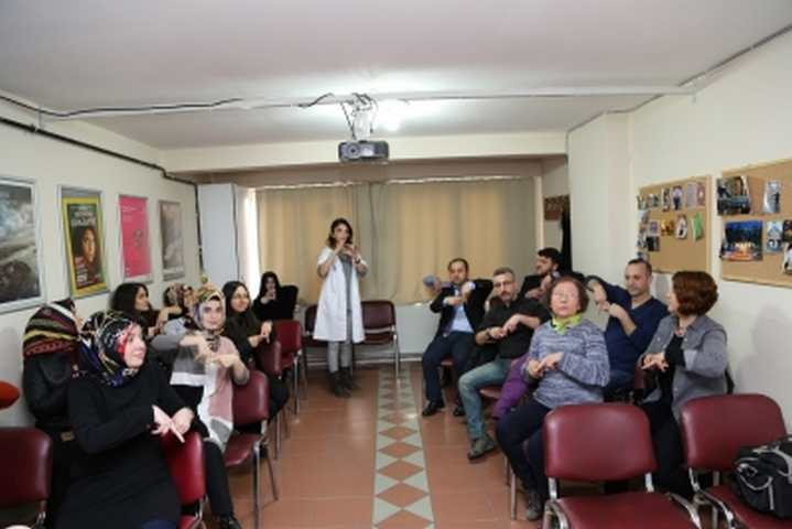 GESMEK'te işaret dili  eğitimleri başladı
