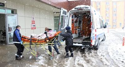 Hasta nakil ambulansları kar kış demeden hizmette
