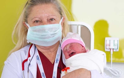 İlk bebeği dünyaya geldi!