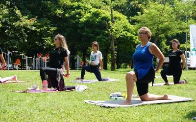 İzmit Belediyesinden kadınlara özel spor etkinliği