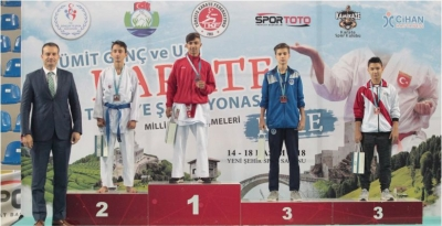 Kağıtsporlu karateciler Avrupa yolcusu