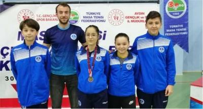 Kağıtsporlu masa tenisçi Betül, Türkiye 3.'sü oldu