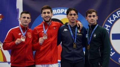 Kağıtspor'un karatecileri Avrupa'dan madalyayla döndü
