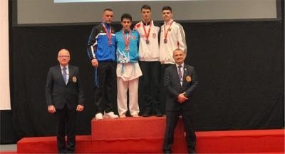 Karatecilerimiz, Avrupa'dan bir altın bir gümüş ile döndü