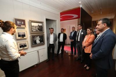 Kocaeli İzmit'te Atatürk Evi'ne hayran kaldılar
