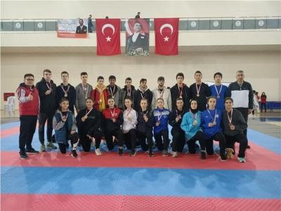 Kocaeli'li Karateciler büyük başarı elde etti