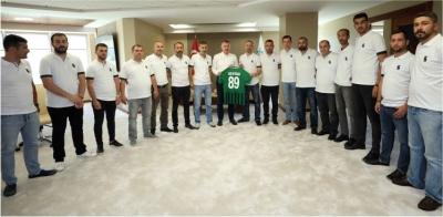 """""""Kocaelispor'un başarısı için tribünde ter döktünüz"""""""