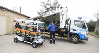 KOÜ'ye 2 elektrikli ambulans aracı