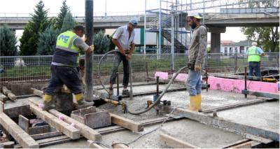 Kuruçeşme Tramvay Hattı'nda ray betonları dökülüyor