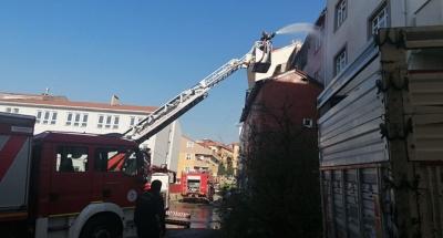 Market deposunda çıkan yangın panik yaşattı!
