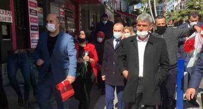MHP Çayırova kadınları unutmadı