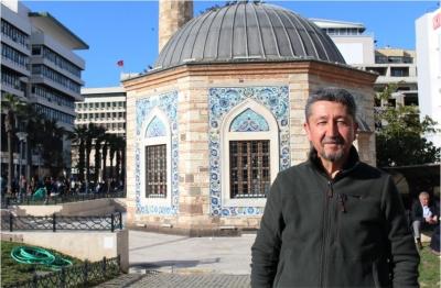 Rıdvan Şükür, Tarih çalışmaları nedeniyle İzmir'de.