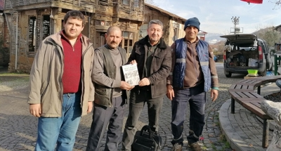 Tarihçi Rıdvan Şükür'den Gölcük Saraylı köyünde imza günü