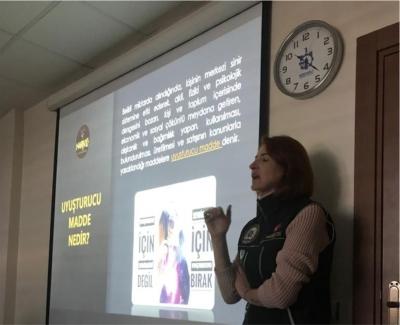 'Teknoloji ve Madde Bağımlılığı eğitimi'