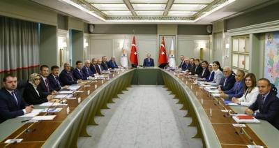 Türk medyası AK Parti'yi bekliyor