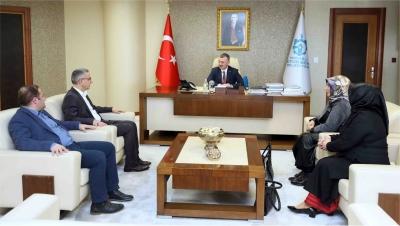 ''Türkiye'nin geleceği gençlerdir''