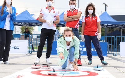 vatandaşları Floor Curling ile tanıştırdı